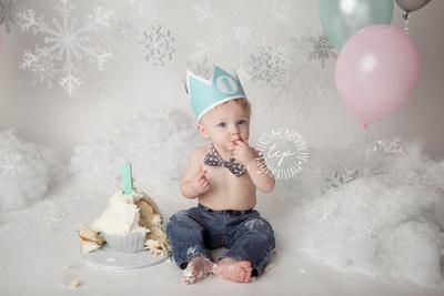 11-30-174671,teresa carmouche photography, cake smash, twin cake smash, cake, one year photoshoot, baton rouge baby photographer, neworleans baby photographer, adorable babies, one year old