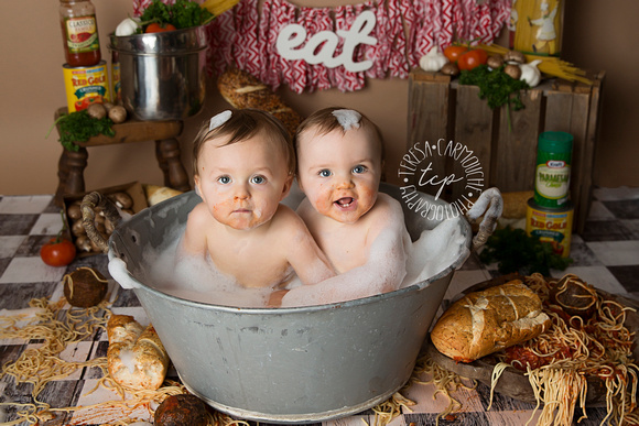 12-15-17_47A1780,teresa carmouche photography,bubble bash session, splash session, spaghetti smash, twins, photoshoot, one year photoshoot, baton rouge baby photographer, neworleans baby photographer,